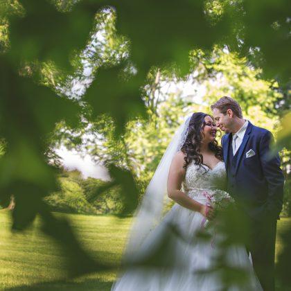 Joanna and Steven. Married. Swan Club. Roslyn Harbor, New York. Long Island Wedding Photographer.